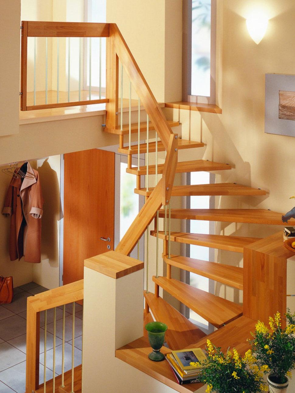 Holztreppe aus Kirschenholz, Kirschbaumholz, Kirschbaumholztreppe, Treppe aus Kirsche