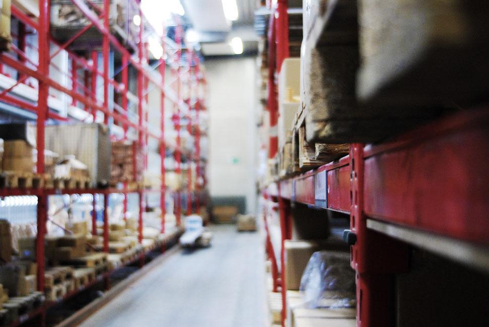 Bucher Treppen - moderne Treppenherstellung - mit eigener Schlosserei / Metallbauabteilung - Schweißarbeiten - wo Funken fliegen