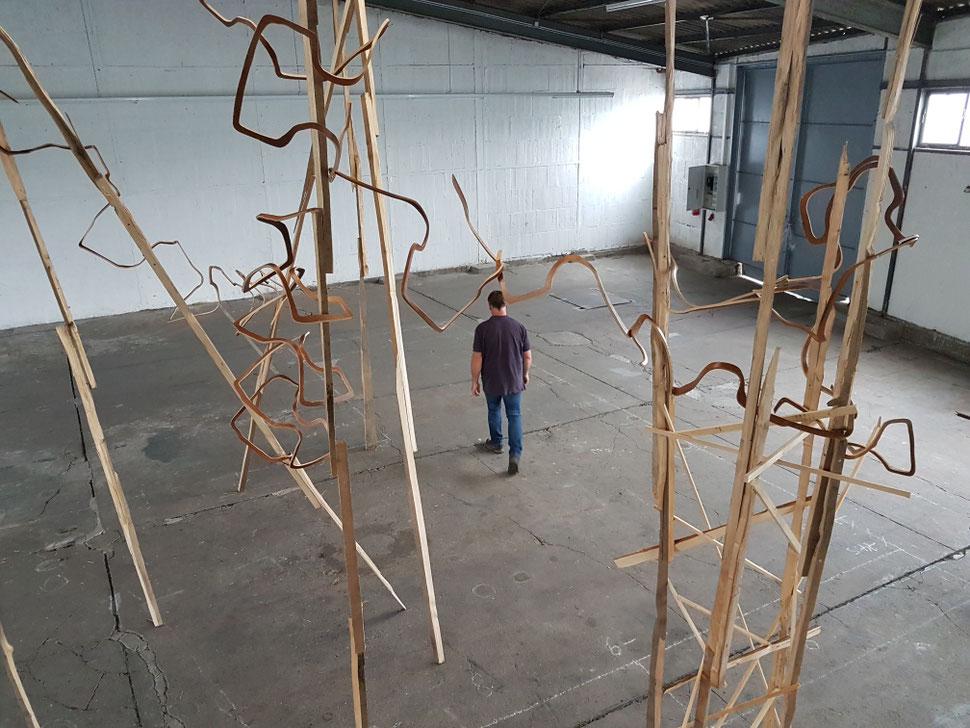 """Aufbau, Installation """"Ela"""" Gruppenausstellung """"paarweise"""" - WERFT 77 Reisholzer Hafen 2017"""