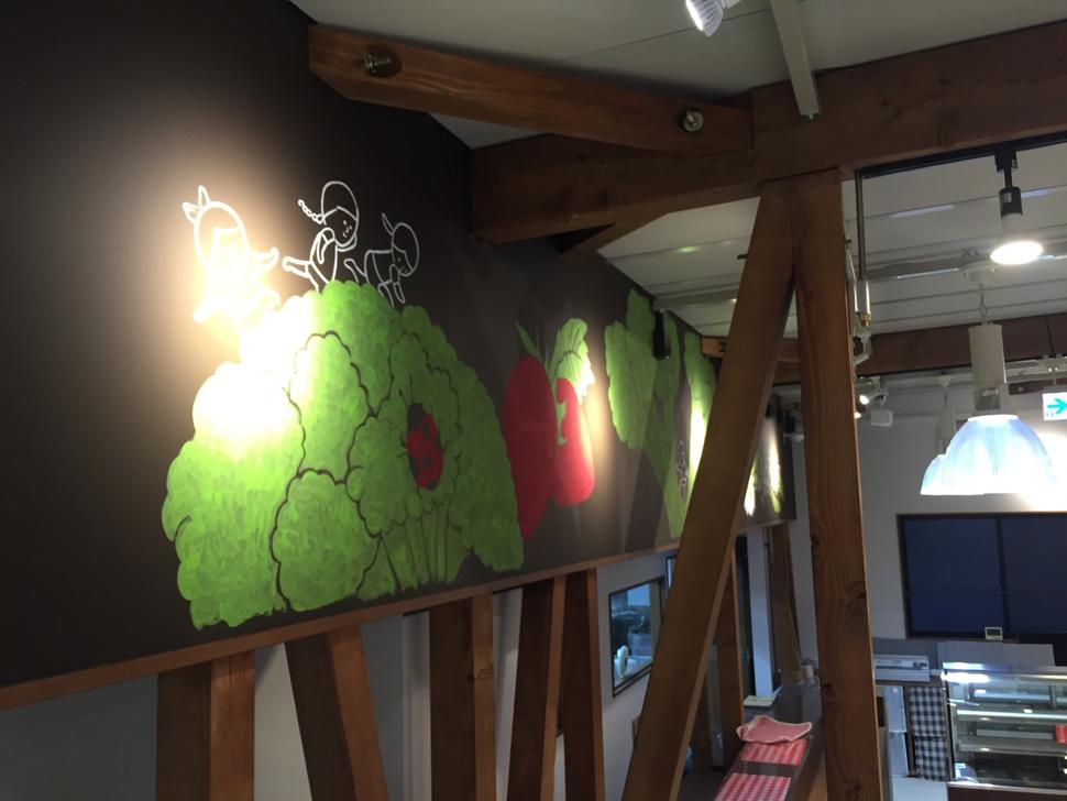 壁画 30m製作 デザイン施工 栃木県宇都宮市あぜみち 株式会社グリーンデイズ様