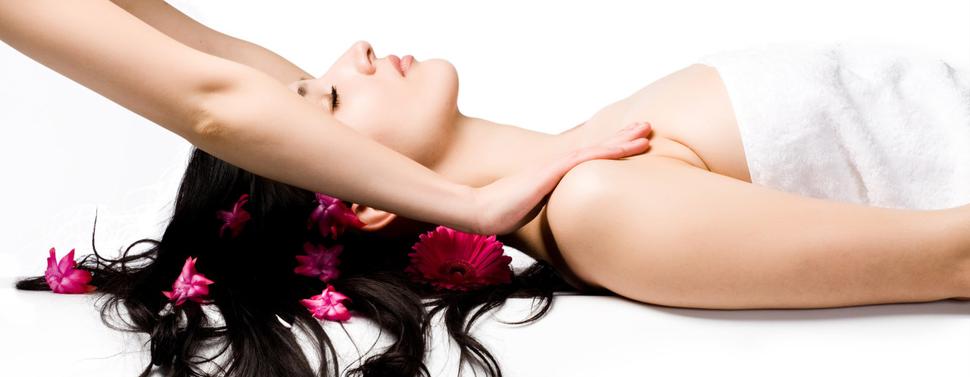 Thai-Fußreflexzonen-Massage, Aroma-Öl-Massage, Original Thai-Massage, Klassische Thai-Massage, Rücken-Nacken-Massage, Hot Stone Massage, Ayurveda Massage, Kräterstempel Massage, Fuß Massage,
