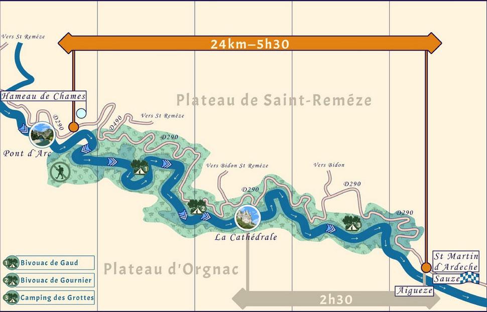 Descente de l'Ardèche, traversée de la Réserve Naturelle des Gorges de l'Ardèche entre Châmes et Sauze.