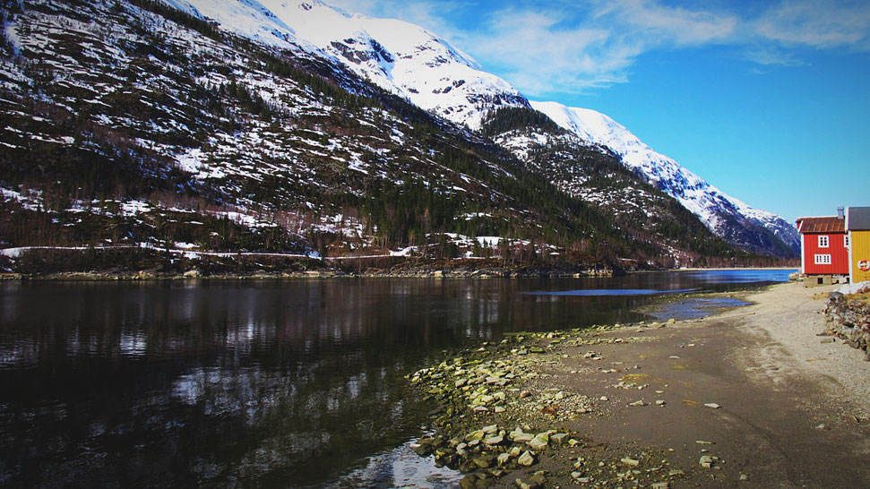bigousteppes norvège fjord mosjoen maison rouge