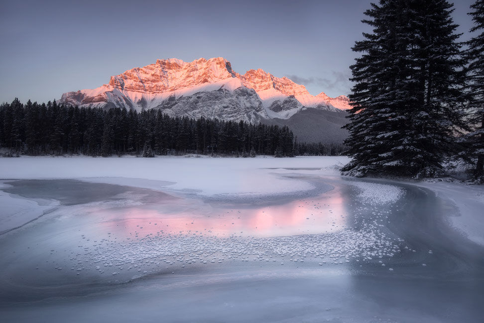 Cascade Mountain at sunrise in Banff National park