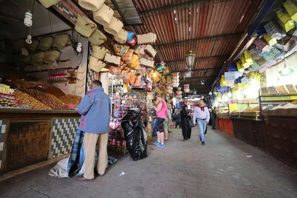 Verkaufsstände in der nördlichen Medina.