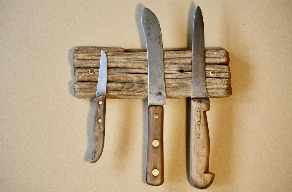 Maße: 24 x 8 x 3,5 cm     //     Platz für 3 Messer     //     Preis: 48 €