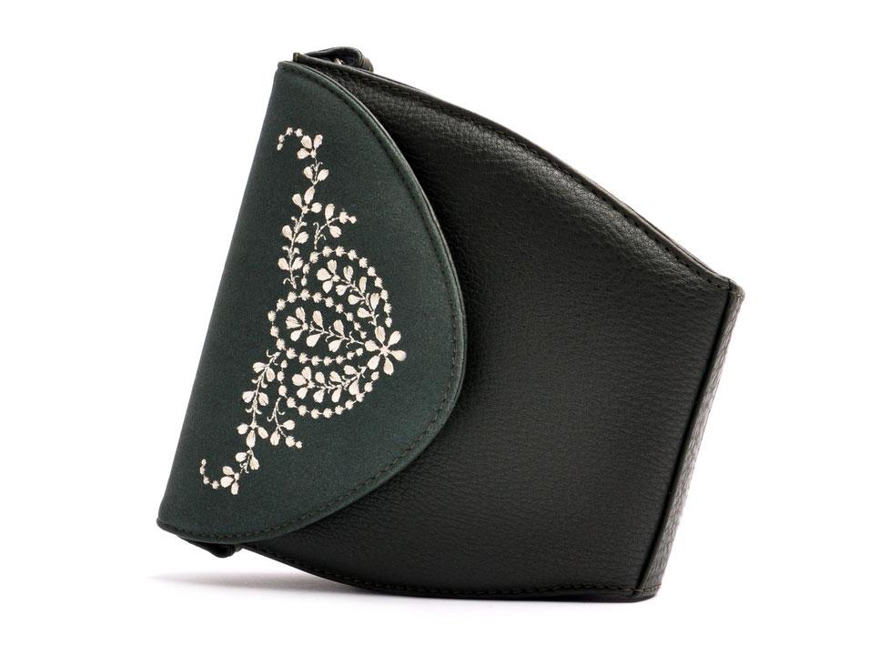Dirndltasche  Schultertasche MARLA grün Leder  mit  Stickerei OSTWALD Traditional Craft