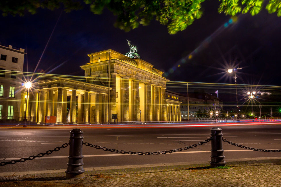 Brandenburger Tor in Berlin at night