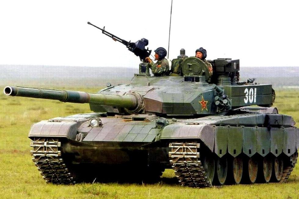 Visible également sur ce Type 99 chinois, en dessous de la mitrailleuse