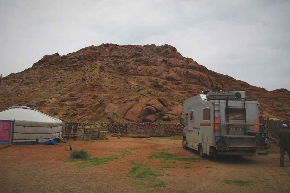 bigousteppes mongolie rencontre yourte mercedes camion route
