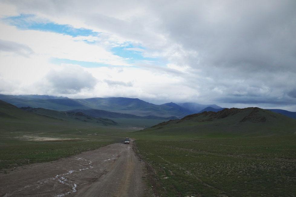 bigousteppes mongolie piste camion mercedes