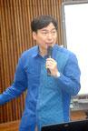 講演する沖縄振興開発公庫の小野課長=22日午後、市商工会館