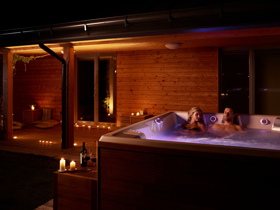 was ist ein spa whirlpool aussenwhirlpool whirlpoolcenter weeze. Black Bedroom Furniture Sets. Home Design Ideas