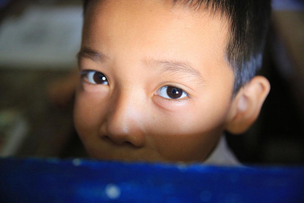 Jeune écolier Laotien. Etablissement scolaire. Vieng Vang. Laos.