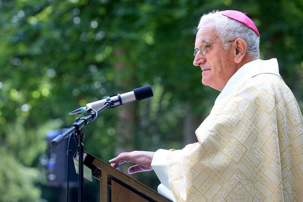 Mgr Yves Boivineau. Pèlerinage diocésain. Sanctuaire de la Bénite Fontaine. La Roche-sur-Foron.