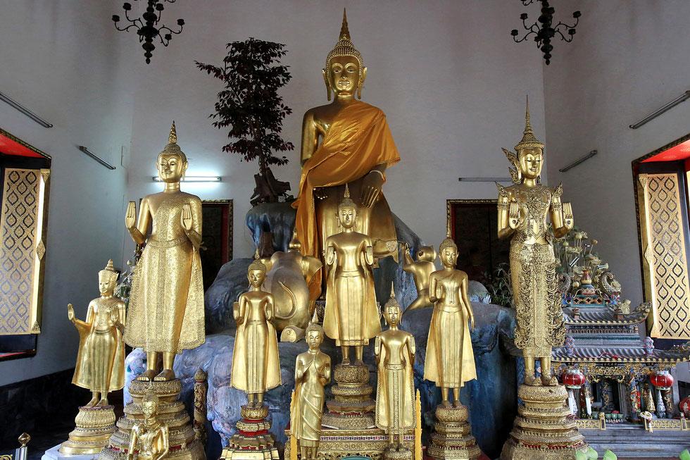 Phra Buddha Palilai et Bouddha du Lundi. Wat Pho - Wat Phra Chettuphon. Bangkok.
