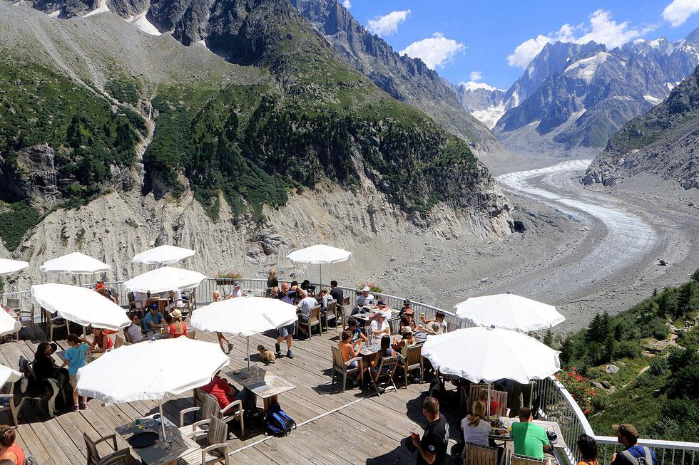 Terrasse panoramique. La Mer de Glace. Les Grandes Jorasses (4.208 m). Massif du Mont-Blanc. Montenvert. Chamonix Mont-Blanc. Haute-Savoie.