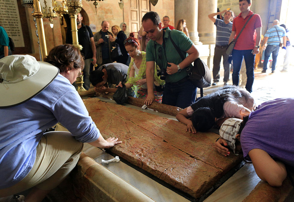 The Stone of Anointing. Holy Sepulchre Church. Jerusalem. Israël.