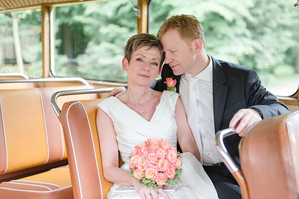 Postbus Steyr Hochzeit Orangerie Steyr Fotograf Julia Kollmann Photography