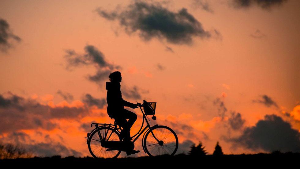 balade en vtc au coucher du soleil