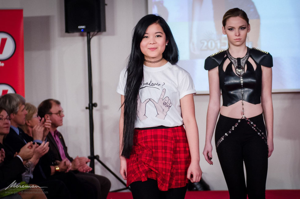 After all the stress finally some relieve: fashion designer Mai and her model Svenja after the presentation.