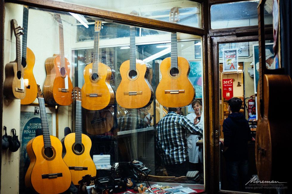 Guitar Manufacturer Ana Durán Ferrer in Granada