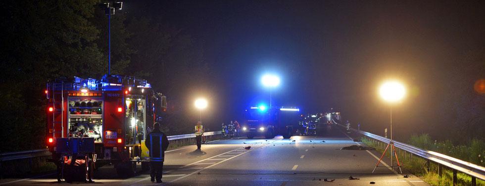 05.08.2015 - B404 bei Trittau - Tödlicher Verkehrsunfall.