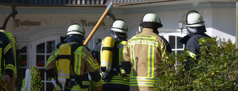 28.02.2016 - Reinbek - Feuer im Waldhaus Reinbek.