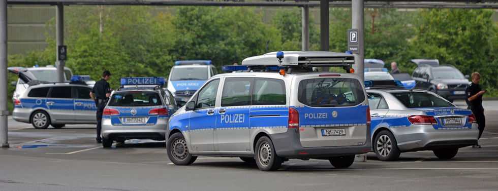 19.08.2015 - Öjendorf - Bombendrohung im Großhandel.