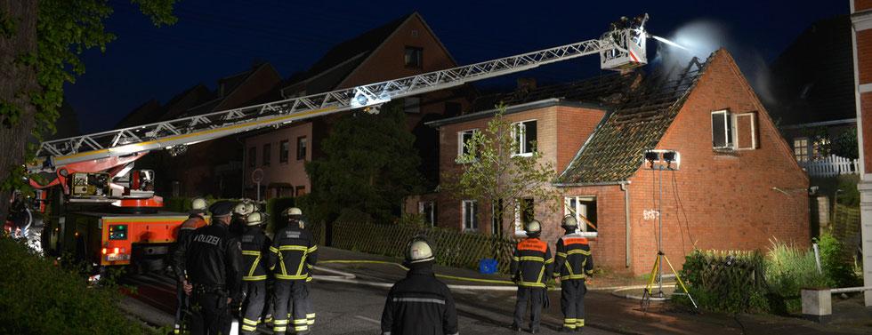 17.05.2015 - Feuer im Einfamilienhaus.