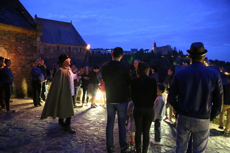 Atmosphère fantastique lors des nocturnes au château de Fougères © Ville de Fougères