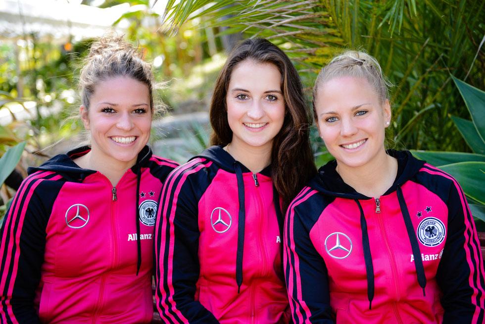 Melanie Leupolz, Sara Däbritz und Leonie Maier beim Algarve Cup 2015