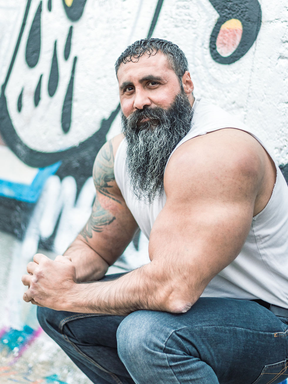 Extrem, gym, gymlife, bodybuilder, berlin, hulk, sylvester stalone, machine, maschine, tatoo, inked, muscle, arms, real life hulk, addict, body, sport, bart, beard, muskel, muskelmann, atleth