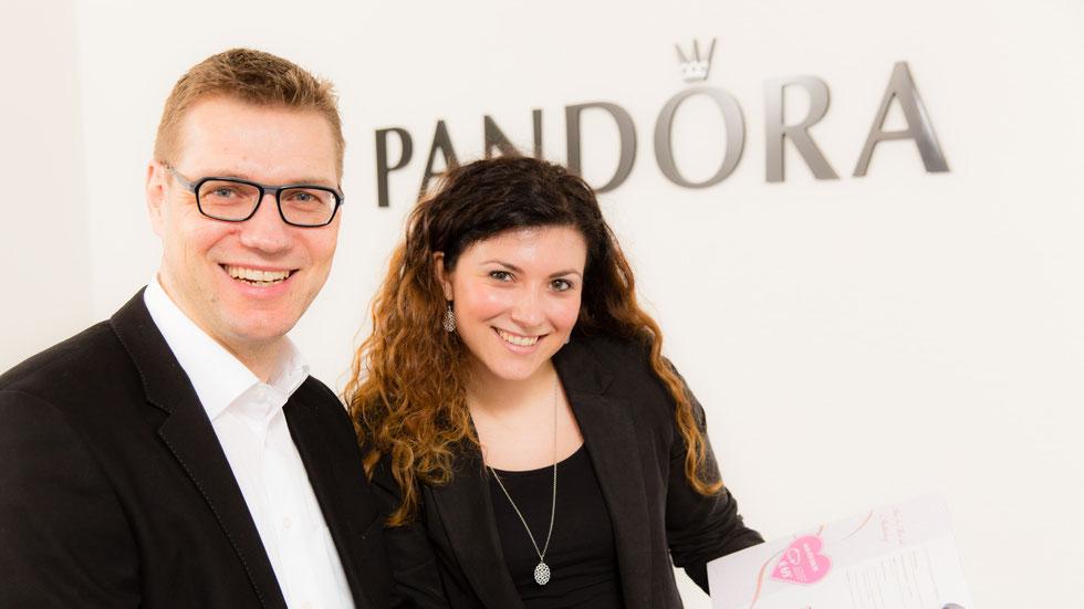 PANDORA - Ein lebendiges Unternehmen. Die MA sind mit Motivation und Spaß bei der Sache