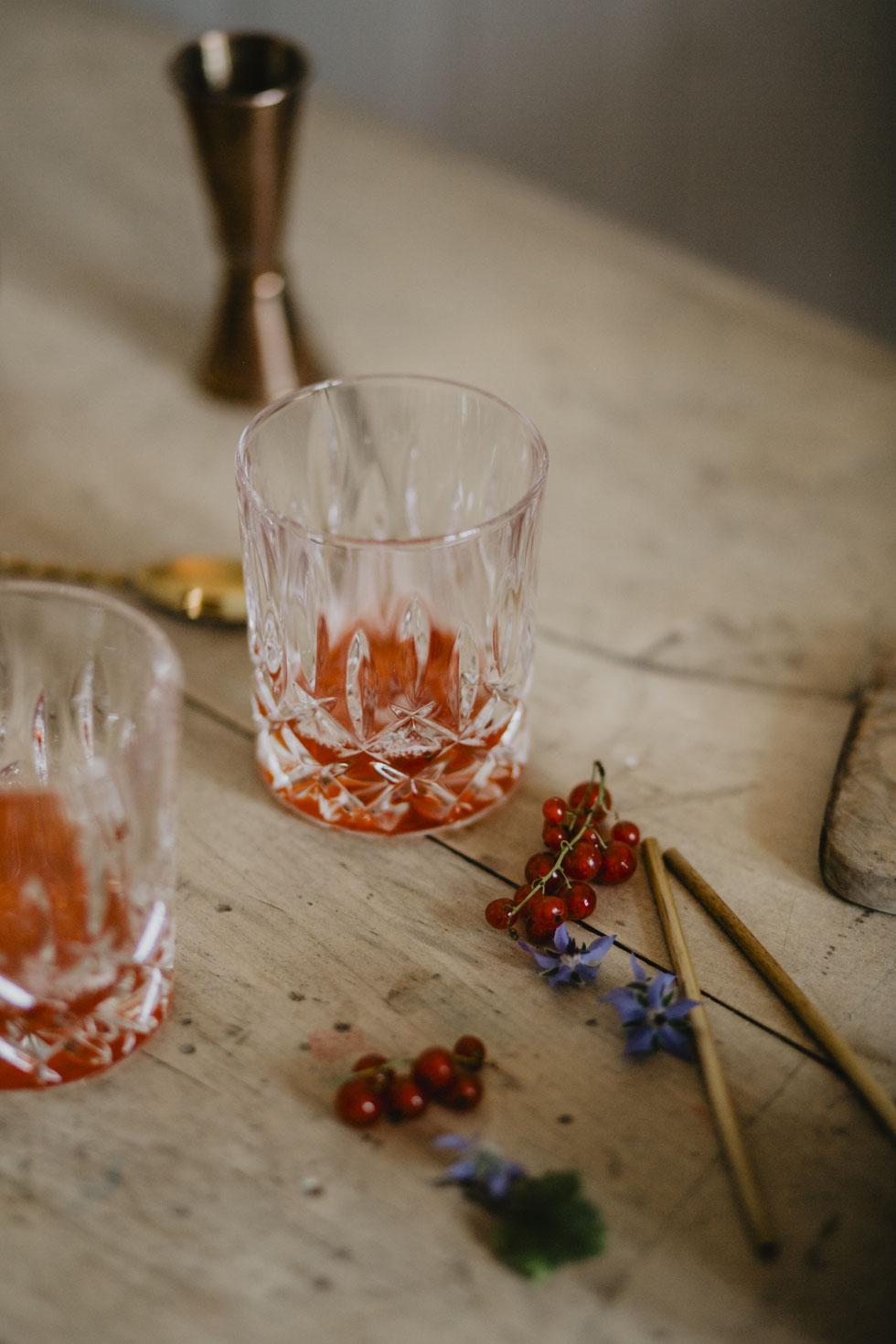 Craft Drinks mit Johannisbeeren