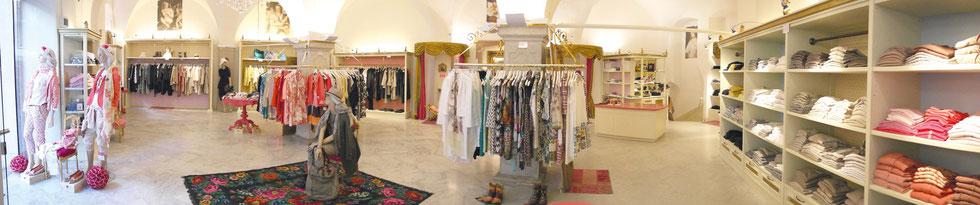 Palais Moiré, elegante ed esclusivo - Bolzano, Piazza Erbe 9, Lunedí - Sabato dalle ore 9.30 alle ore 18.30