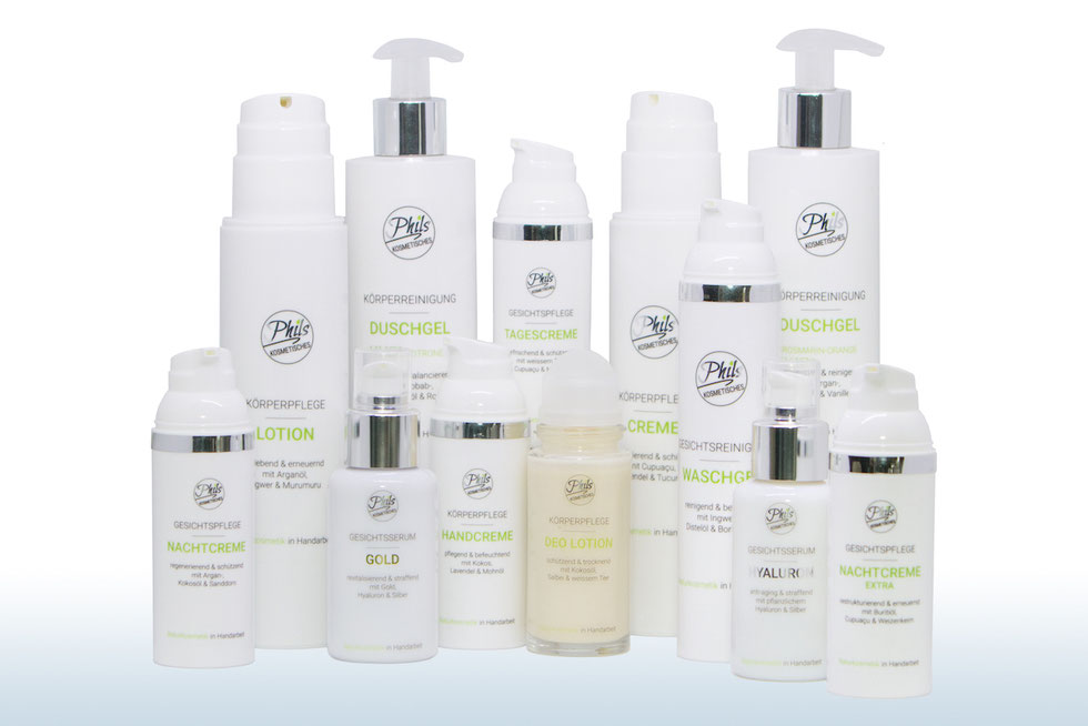 Natürliche Palette von kosmetischen Produkten. In Handarbeit sorgfältig hergestellte Pflegeprodukte für Körper und Gesicht. Cremen, Lotionen, Gels, Serum.