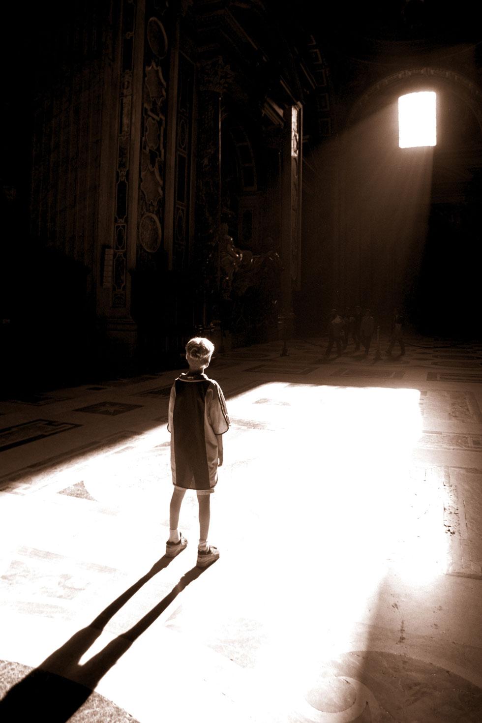 In the light, Jort. Vatican - Rome - Italy 2000