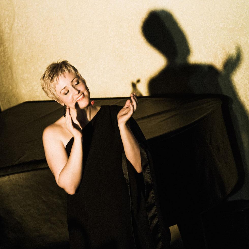 """Jacqueline van den Bos,  Administrative Chorleiterin von """"gospelPROject"""""""