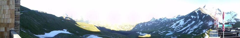 Oben am Gipfel CSI Mayrhofer unterwegs mit dem Rad Richtung Hochalpinenstraße zu dem mächtigen und atemberaubenden Großglockner