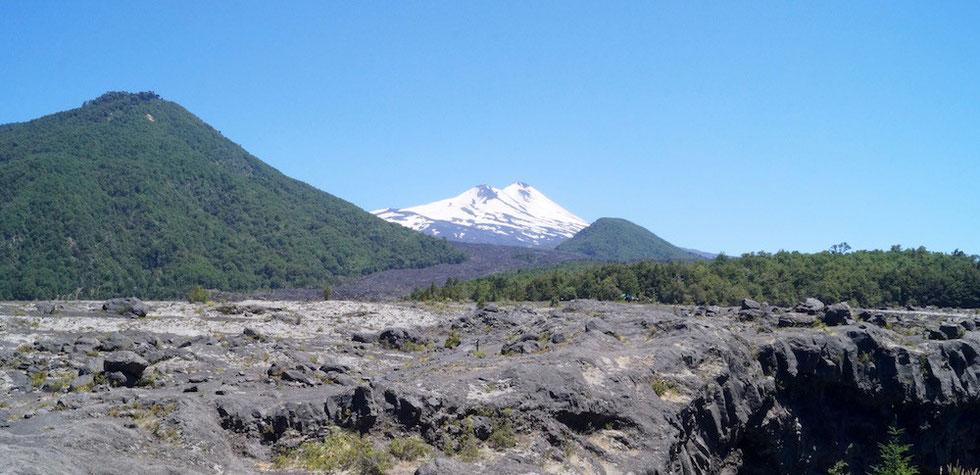 Melipeuco: Der Vulkan Llaima und der PN Conguillío