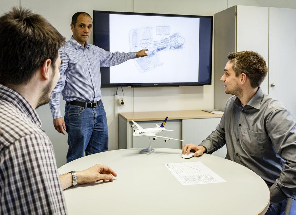 """""""Working together on the technologies of tomorrow."""" - Mit diesem Bild haben wir bei dem internationalen Fotowettbewerb vom Flugzeugbauer Airbus den 5. Platz belegt."""