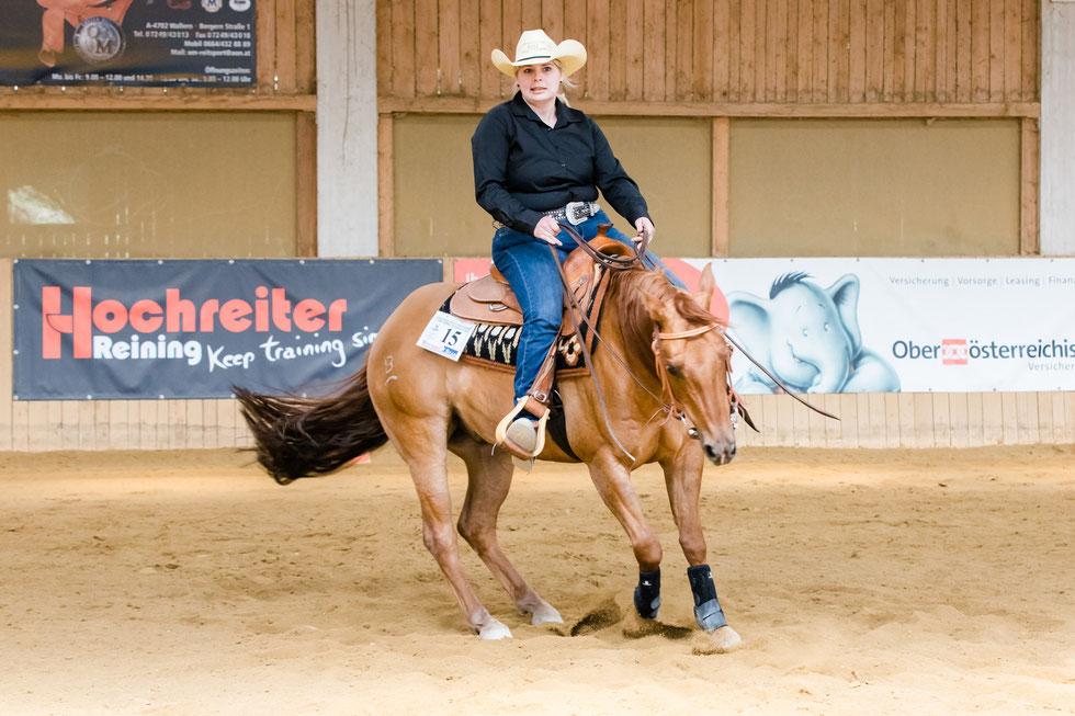 Sandra Huemer und Kaliz Golden Walker gewannen die Greenreiner und die Rookie Reining. Foto: Andrea  Indrich