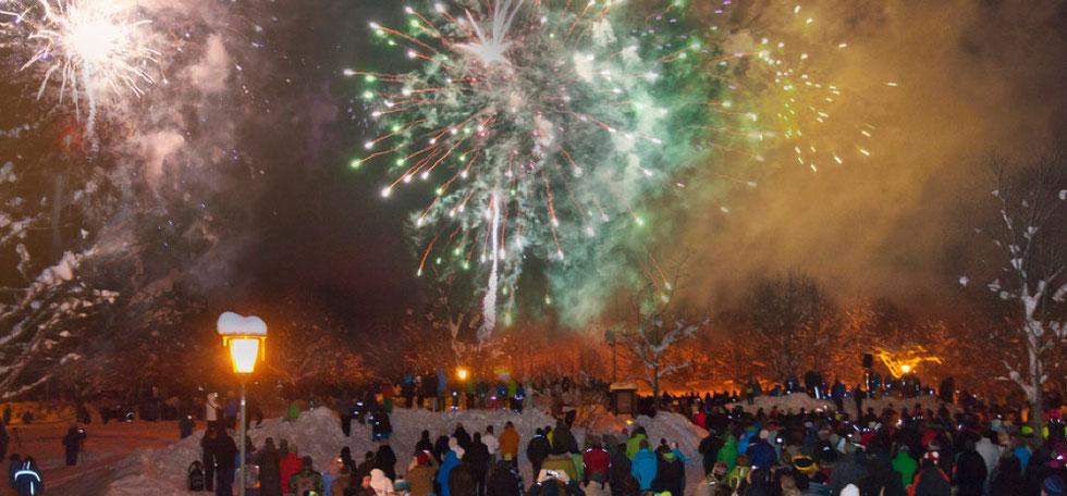 Das große Neujahrsfeuerwerk mit Musik in Oberammergau
