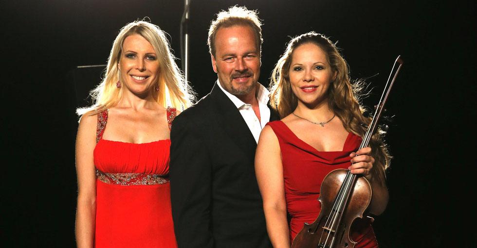 Katja Huhn, Flügel - Till Demtroeder, Rezitation - Sophie Moser, Violine  - Foto: ©Experiarts Entertainment- Franziska Krug