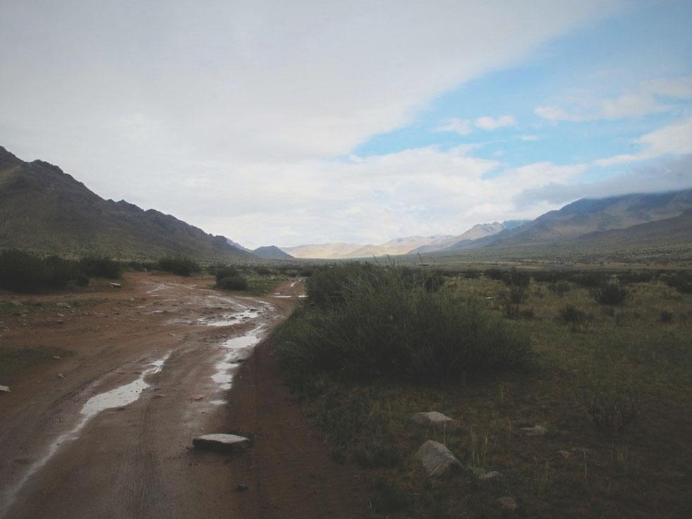 bigousteppes mongolie steppes pistes route camion pluie boue