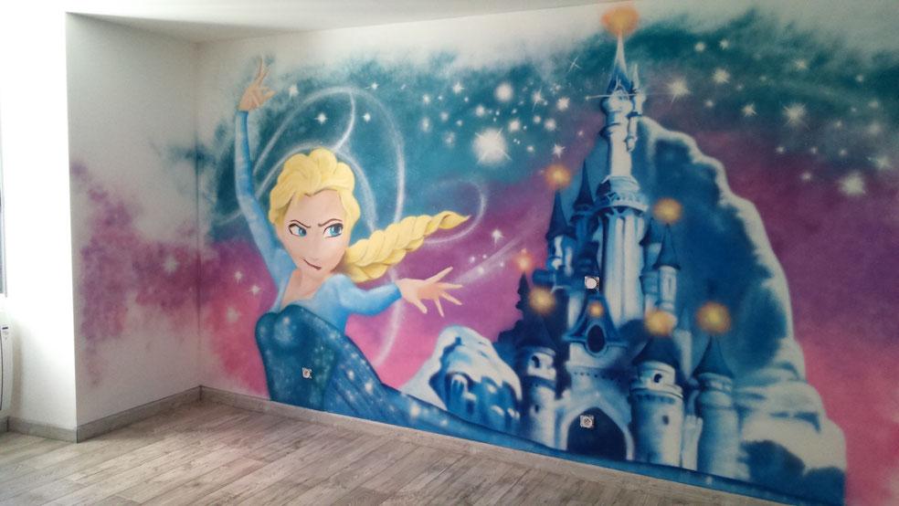 fresque-reine-des-neiges-chambre-fille-princesse-graffiti-décoration