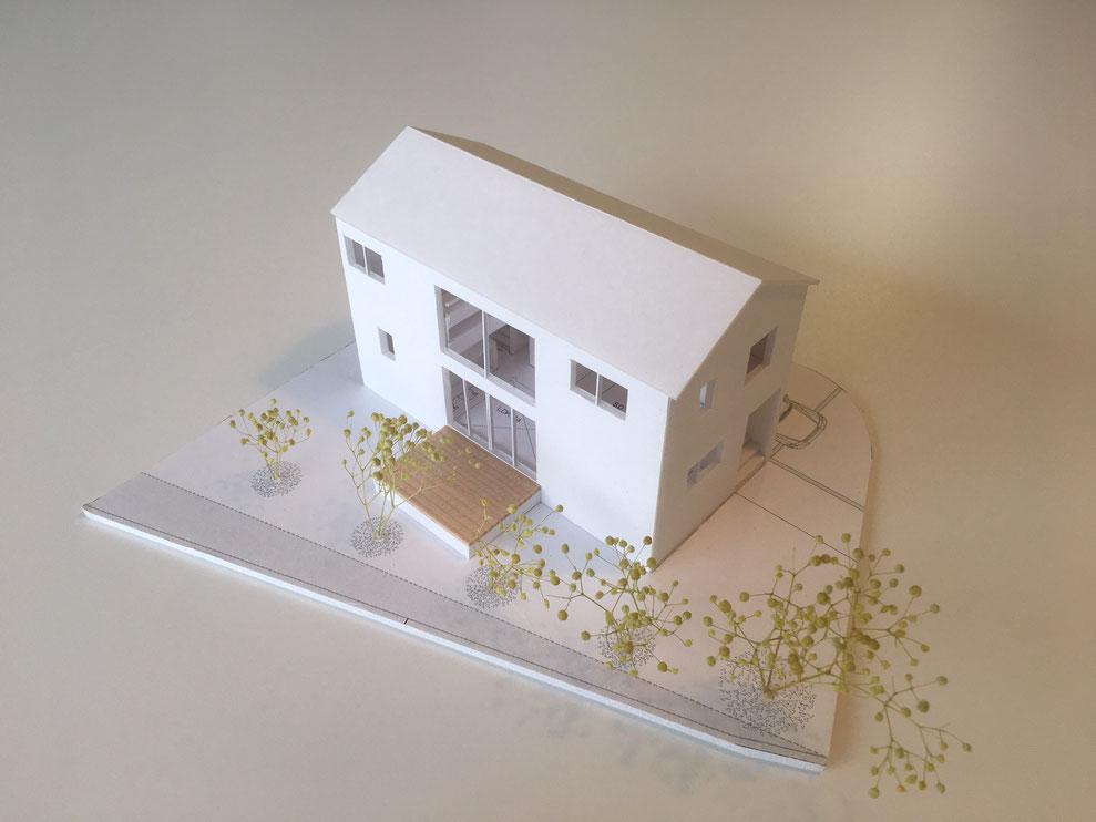 模型 新潟市西区 切妻屋根 総2階