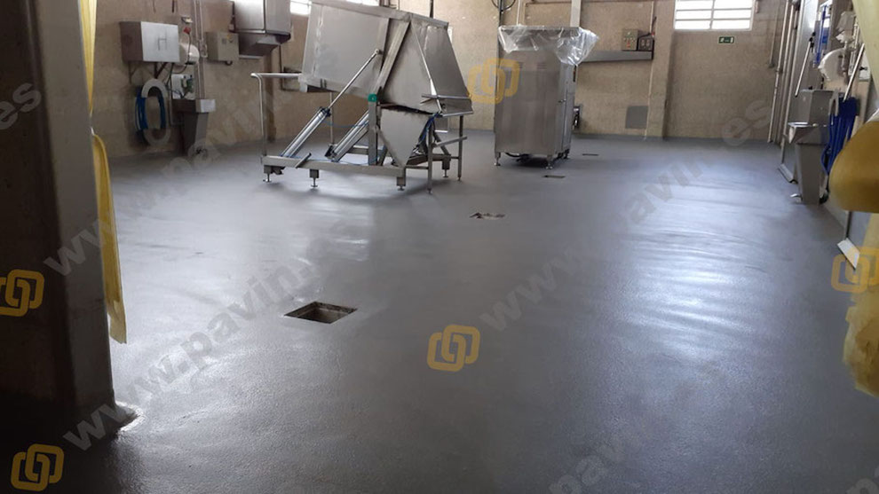 Pavimentos continuos de resina para industrias cárnicas
