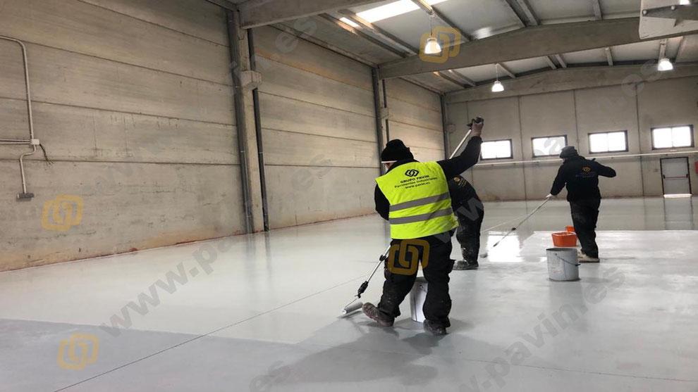 Requisitos mínimos para un suelo de resinas industrial